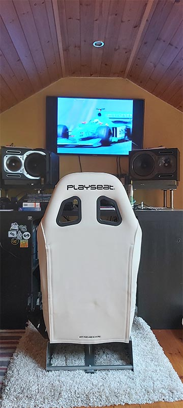 Playseat Evolution White 1 month review